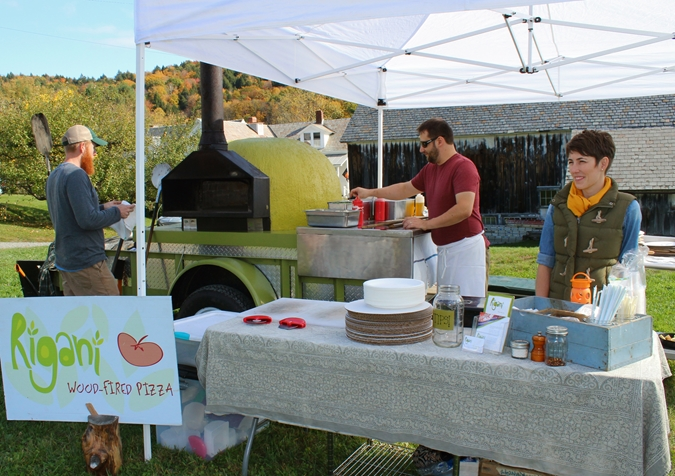 Rigani Wood-fired Pizza at Scott Farm Orchard Heirloom Apple Day